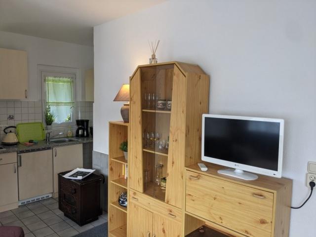 TV Küche Kamin